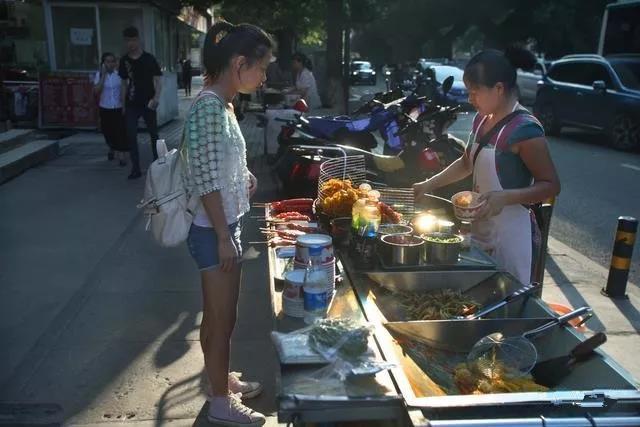 街头小吃:你想象不到的赚钱